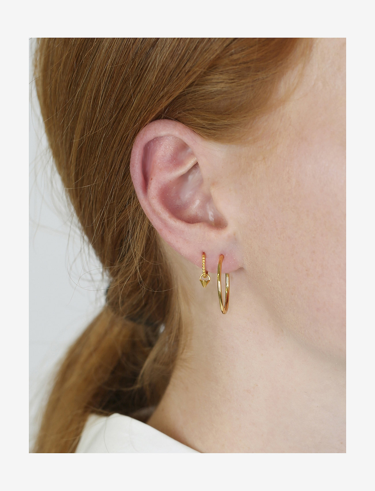 Syster P Mini Cone Hoop Earrings Gold - Bijouterie Exclusif