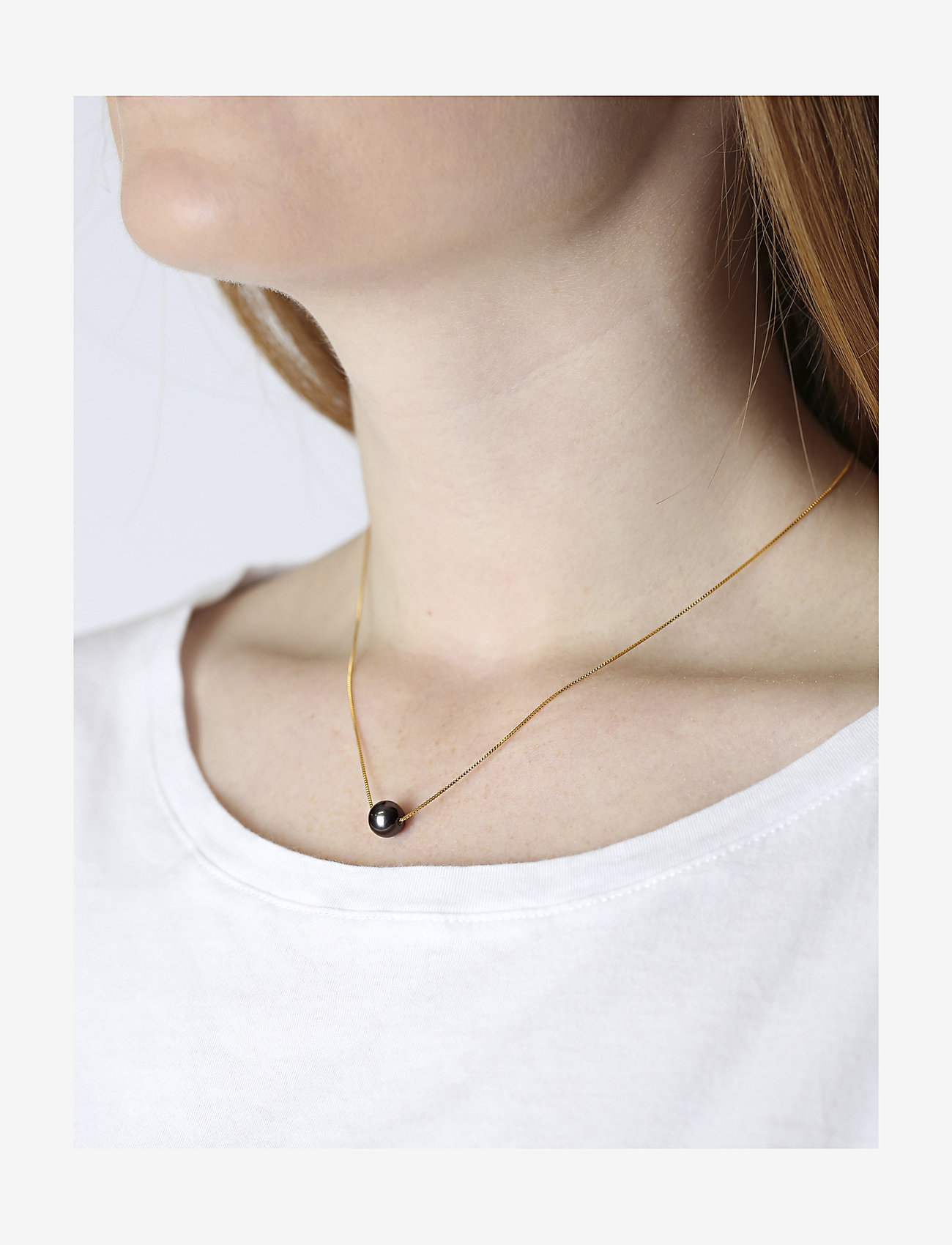 Syster P - Pearly Short Necklace Black - kettingen met hanger - gold - 1