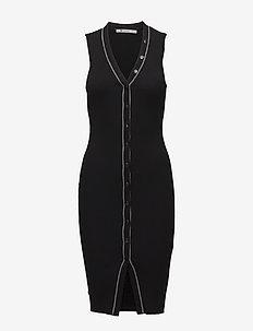 SKINNY RIB SLEEVELESS DRESS W/ SNAP DETAIL - BLACK