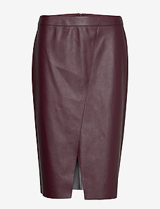 SKIRT SHORT WOVEN FA - RUBY WINE