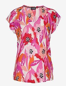 BLOUSE SHORT-SLEEVE - kortærmede bluser - apricot blush patterned