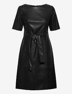 DRESS WOVEN FABRIC - midiklänningar - black