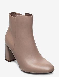 Woms Boots - ankelstøvler med hæl - taupe