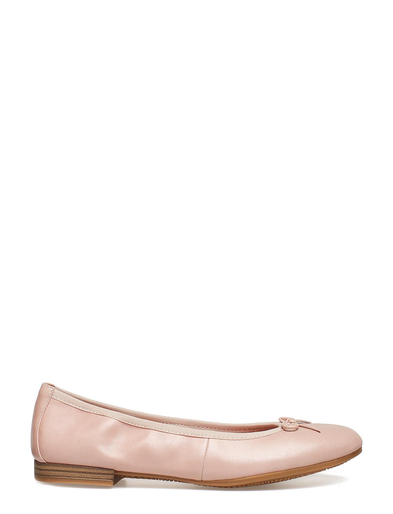 Udsalgs sko og ballerinaer gør et godt køb