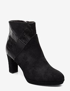 Boots - BLACK COMB