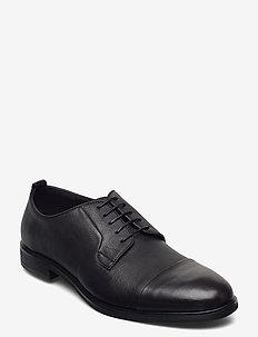Laced derby shoe with toecap - snörskor - black