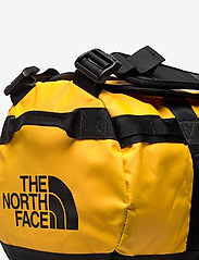 The North Face - BASE CAMP DUFFEL - XS - sacs de sport - summit gold-tnf black - 4