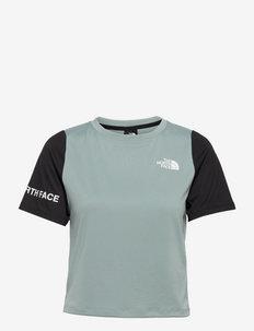 W MA TEE - EU - t-shirts - silvrblu/tnfblk