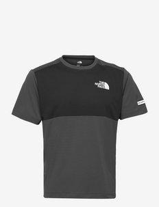 M MA HYBD SS TEE - EU - t-shirts - asphltgr/tnfblk