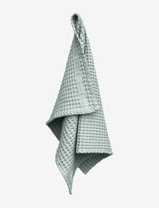 Big Waffle Medium Towel - håndklæder - 570 sky
