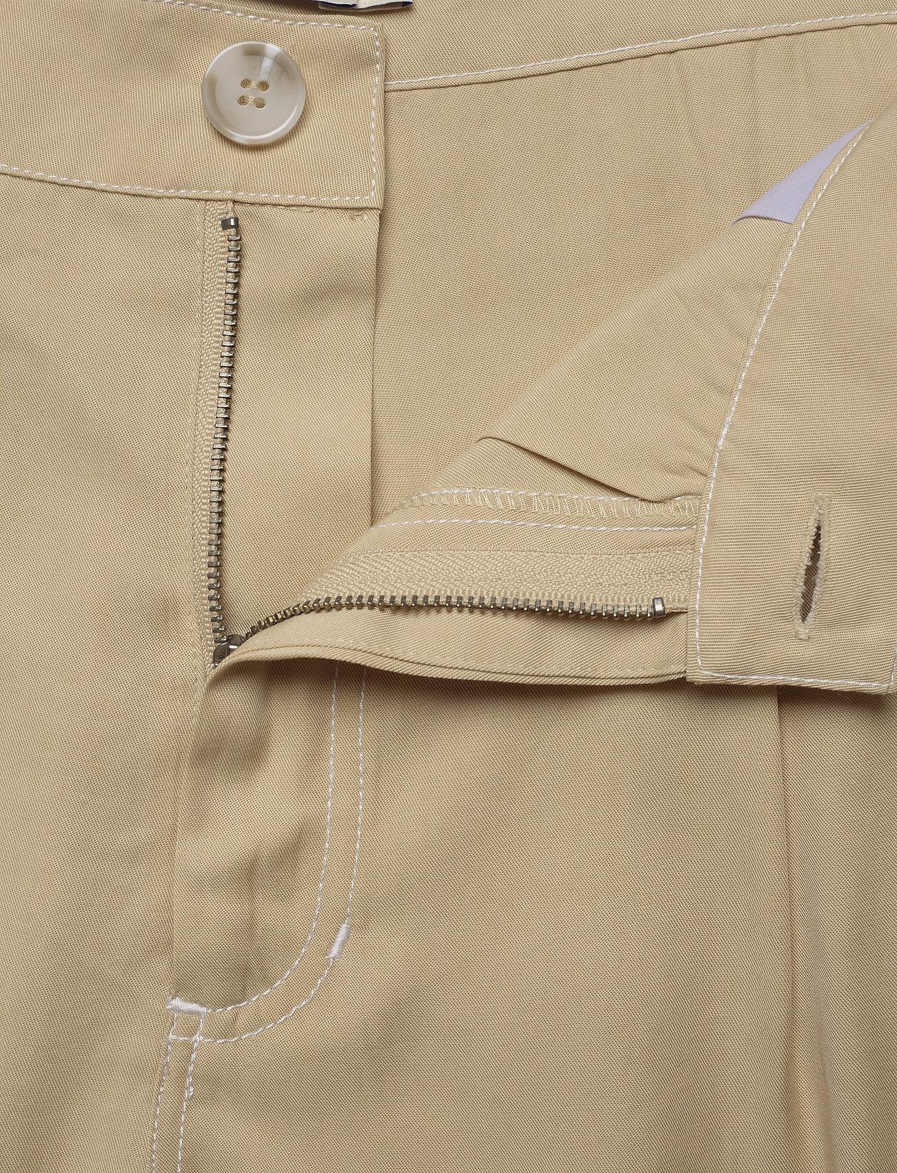 Tiger of Sweden Jeans AIRAA - Shorts YELLOW SAND - Damen Kleidung