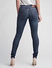 Tiger of Sweden Jeans - SLIGHT - džinsa bikses ar šaurām starām - dust blue - 4