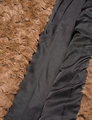 Tiger of Sweden Jeans - MINIMAL. - faux fur - tiger eye - 5