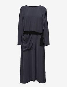 SIDRA - midi kjoler - odyssey grey