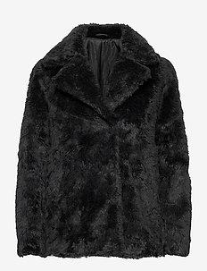 STAIJNA - faux fur - black