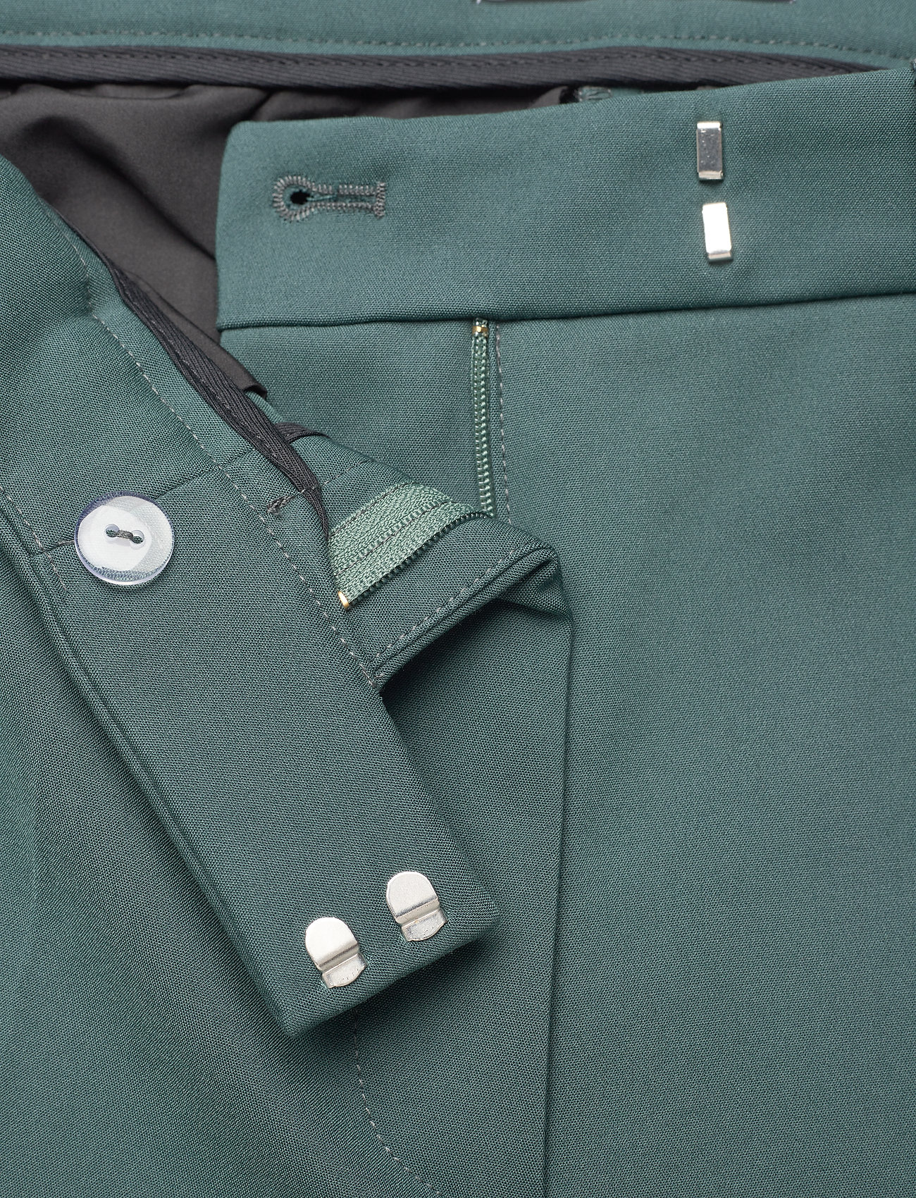 Tiger of Sweden - NOORA 3 - straight leg trousers - scarab green - 2