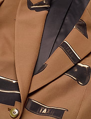 Tiger of Sweden - COBYRN P - getailleerde blazers - artwork - 2