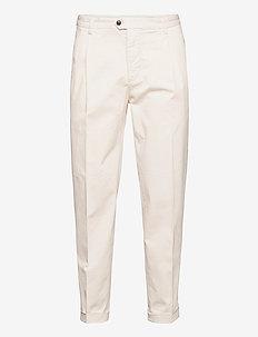 TREVOR - casual - pure white