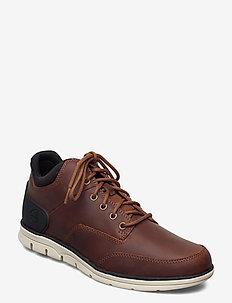 BRADSTREET CHKA MLD RST - chaussures lacées - saddle