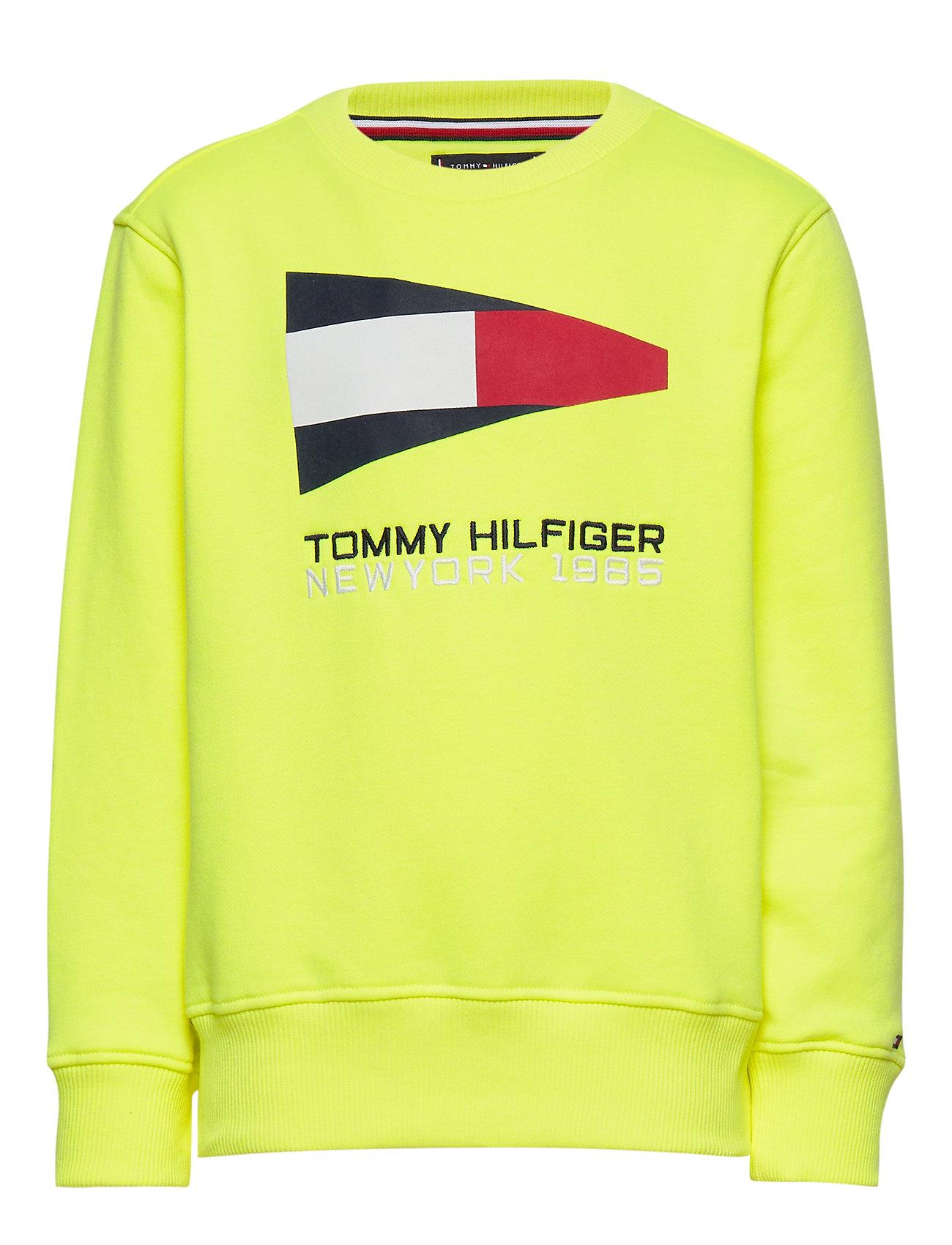 Tommy Hilfiger SAILING FLAG GRAPHIC SWEATSHIRT - SAFETY YELLOW 13-0630