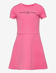 Tommy Hilfiger - ESSENTIAL  SKATER DRESS S/S - kleider - exotic pink - 0