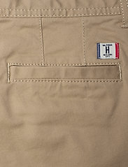 Tommy Hilfiger - BOYS SLIM CHINO OSTW PD - trousers - batique khaki - 4