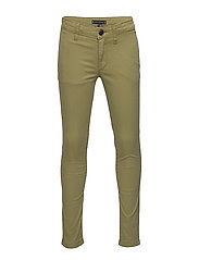 ESSENTIAL SKINNY CHI - UNIFORM OLIVE 548-640