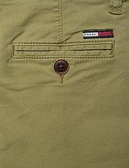 Tommy Hilfiger - ESSENTIAL SKINNY CHI - trousers - uniform olive 548-640 - 4