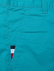 Tommy Hilfiger - ESSENTIAL CHINO SHORT - shorts - exotic teal - 2