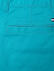 Tommy Hilfiger - ESSENTIAL CHINO SHORT - shorts - exotic teal - 4