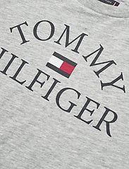 Tommy Hilfiger - ESSENTIAL LOGO TEE S - short-sleeved - light grey heather bc04 vol32 - 2