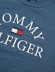 Tommy Hilfiger - ESSENTIAL LOGO TEE S - short-sleeved - audacious blue 329-710 - 2