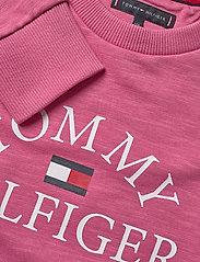 Tommy Hilfiger - ESSENTIAL LOGO SWEAT - sweatshirts - light cerise pink - 2