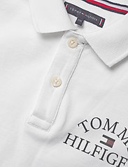 Tommy Hilfiger - ESSENTIAL LOGO CHEST POLO S/S - polo shirts - white 658-170 - 2