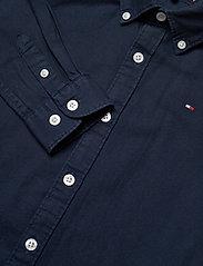 Tommy Hilfiger - OVERDYE DOBBY SHIRT L/S - shirts - twilight navy 654-860 - 2