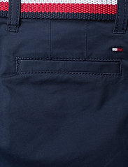 Tommy Hilfiger - ESSENTIAL BELTED CHINO SHORTS - shorts - twilight navy - 4