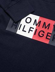 Tommy Hilfiger - GLOBAL STRIPE GRAPHIC TEE L/S - sweatshirts - twilight navy - 2