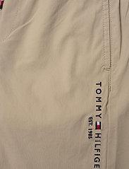 Tommy Hilfiger - STRETCH POPLIN PULL ON PANTS - sweatpants - silt - 5