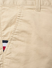 Tommy Hilfiger - ESSENTIAL CHINO SHORT TH FLEX - shorts - misty beige - 2