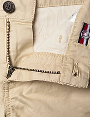 Tommy Hilfiger - ESSENTIAL CHINO SHORT TH FLEX - shorts - misty beige - 3