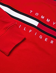 Tommy Hilfiger - FLAG RIB INSERT SWEATSHIRT - sweatshirts & hættetrøjer - deep crimson - 2