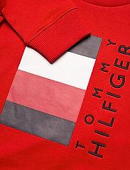 Tommy Hilfiger - GLOBAL STRIPE CN - sweatshirts - deep crimson - 2