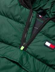 Tommy Hilfiger - PADDED POPOVER - puffer & padded - ornamental green/black - 2