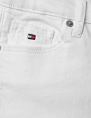 Tommy Hilfiger - NORA SHORT SOCDST - shorts - white - 2