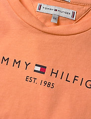 Tommy Hilfiger - ESSENTIAL  TEE S/S - short-sleeved - melon orange - 2