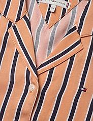 Tommy Hilfiger - RESORT STRIPE SHIRT S/S - shirts - melon orange/ twilight navy - 2