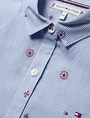 Tommy Hilfiger - LIGHT WOVEN DRESS S/S - robes - calm blue / stripe - 2
