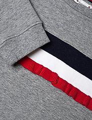 Tommy Hilfiger - RUFFLE RIB SWEAT DRESS L/S - dresses - mid grey htr - 2