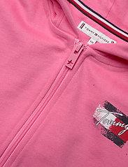 Tommy Hilfiger - FLAG PRINT ZIP HOODIE - sweatshirts & hoodies - exotic pink - 2
