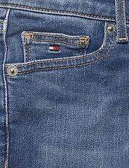 Tommy Hilfiger - NORA BASIC SHORT - shorts - summermedbluestretch - 2